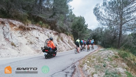 Mallorca cycling professional photographer SAG support - HC Bike Tours
